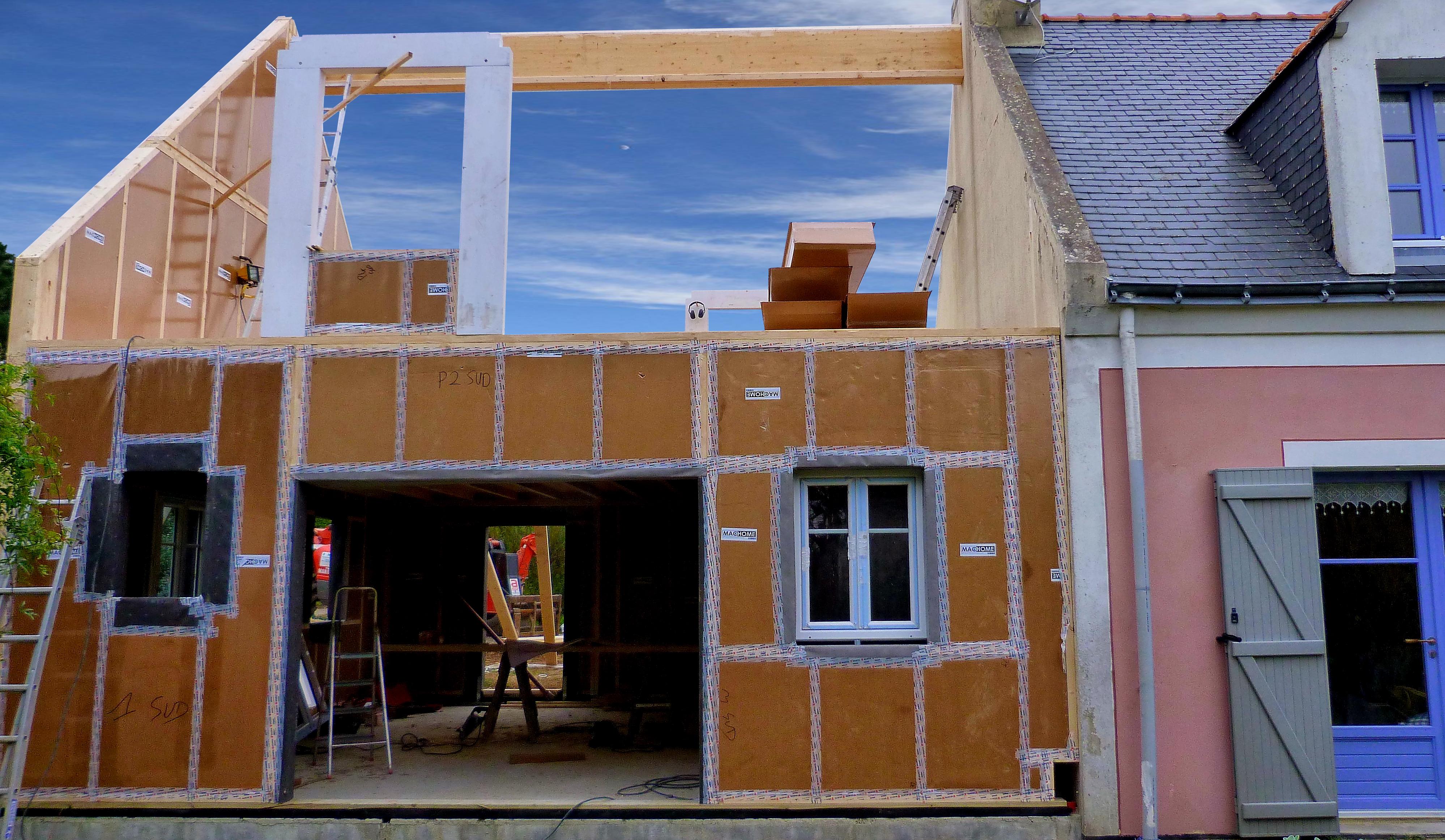 une maison tout en carton belle le en mer blog note de st phanie biju. Black Bedroom Furniture Sets. Home Design Ideas